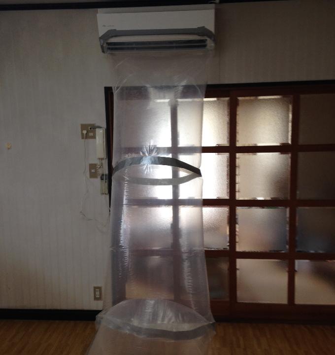 エアコンの空気を隣の部屋へムダ...